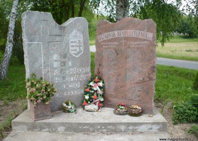 Bárdudvarnok világháborús emlékmű 2010.05.28. küldő-Sümec (3)