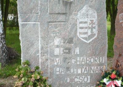 Bárdudvarnok világháborús emlékmű 2010.05.28. küldő-Sümec (4)