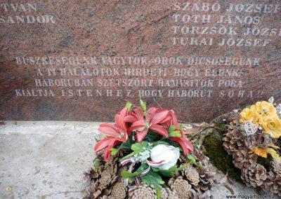 Bárdudvarnok világháborús emlékmű 2010.05.28. küldő-Sümec (8)