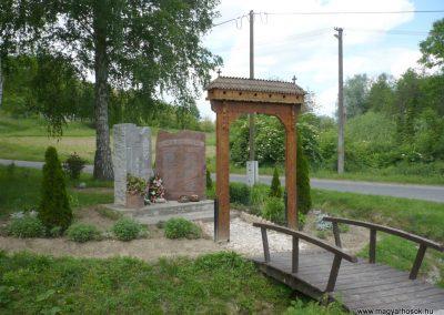 Bárdudvarnok világháborús emlékmű 2010.05.28. küldő-Sümec (9)