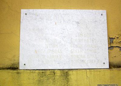 Bárna világháborús emléktáblák 2012.03.26. küldő-kalyhas (7)