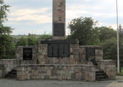 Bátonyterenye Hősi emlékmű 2008.07.15. küldő-kalyhas (2)