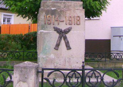 Bátonyterenye I.vh emlékmű 2009.08.15. felújítás után küldő-Kovács Nikolett (2)