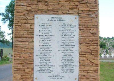 Bátonyterenye-Kisterenye II.vh emlékmű 2010.07.02. küldő-Szederke (4)