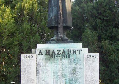 Bátya világháborús emlékmű 2006.11.08. Küldő-Markó Péter