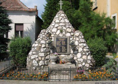 Béb világháborús emlékmű 2010.07.21. küldő-kalyhas (1)