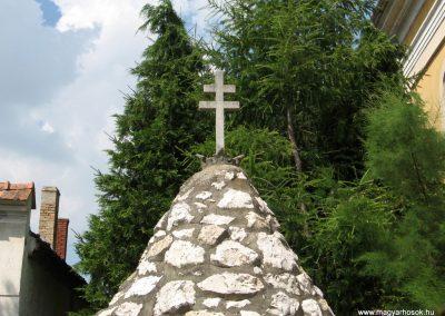 Béb világháborús emlékmű 2010.07.21. küldő-kalyhas (2)