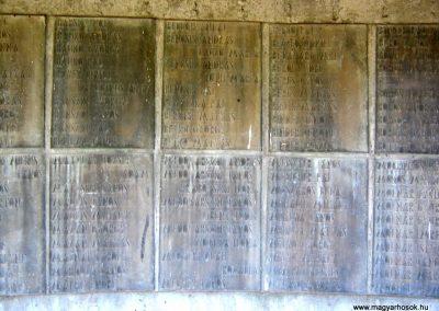 Békéscsaba II. világháborús emlékmű 2015.05.09, küldő-Emese (10)