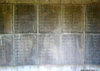 Békéscsaba II. világháborús emlékmű 2015.05.09, küldő-Emese (11)