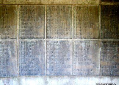 Békéscsaba II. világháborús emlékmű 2015.05.09, küldő-Emese (12)