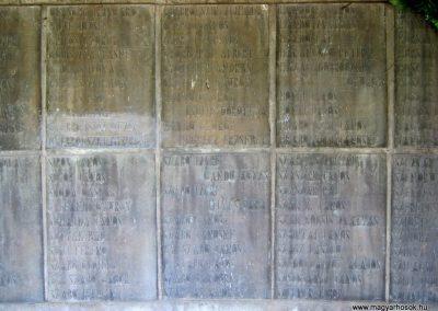 Békéscsaba II. világháborús emlékmű 2015.05.09, küldő-Emese (14)