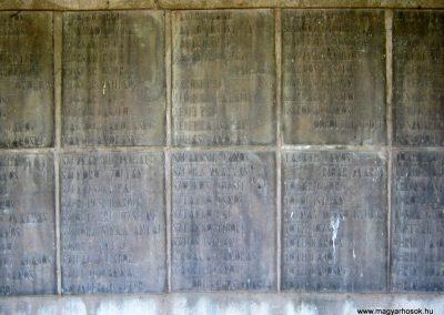Békéscsaba II. világháborús emlékmű 2015.05.09, küldő-Emese (15)