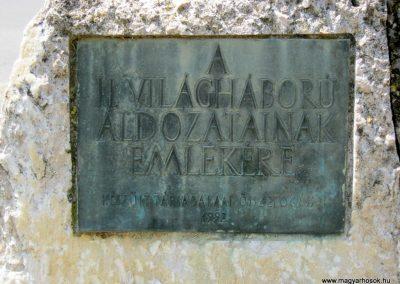 Békéscsaba II. világháborús emlékmű 2015.05.09, küldő-Emese (26)