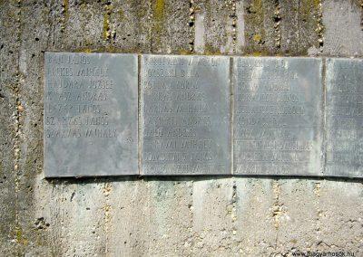 Békéscsaba II. világháborús emlékmű 2015.05.09, küldő-Emese (27)