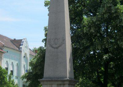 Békéscsaba a 101-esek I. világháborús emlékműve 2015.05.09. küldő-Emese (1)
