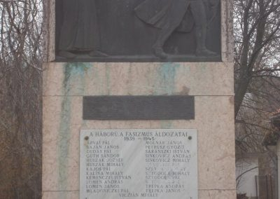 Bénye világháborús emlékmű 2009.02.13. küldő-Huszár peti (2)