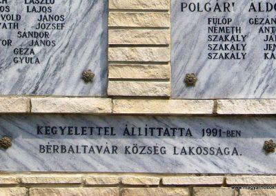 Bérbaltavár világháborús emlékmű 2011.06.18. küldő-HunMi (4)