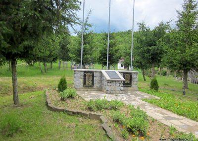 Bódvalenke világháborús emlékmű 2014.06.15. küldő-kalyhas (1)