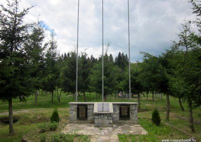 Bódvalenke világháborús emlékmű 2014.06.15. küldő-kalyhas (2)