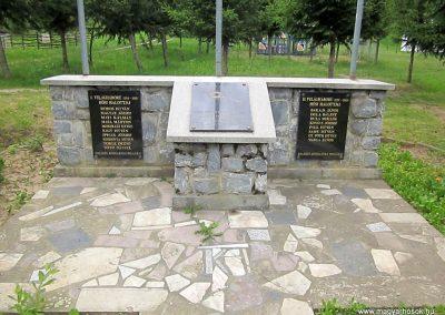 Bódvalenke világháborús emlékmű 2014.06.15. küldő-kalyhas (3)