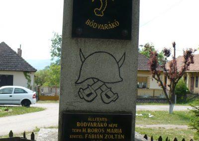 Bódvarákó világháborús emlékmű 2009.05.11.küldő-Gombóc Arthur (5)