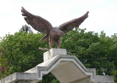 Bódvaszilas világháborús emlékmű 2009.05.11.küldő-Gombóc Arthur (1)