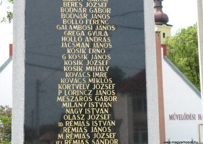 Bódvaszilas világháborús emlékmű 2009.05.11.küldő-Gombóc Arthur (4)