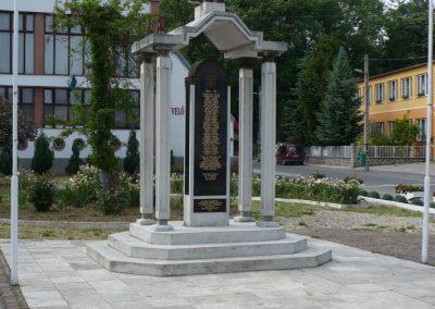 Bódvaszilas világháborús emlékmű 2009.05.11.küldő-Gombóc Arthur