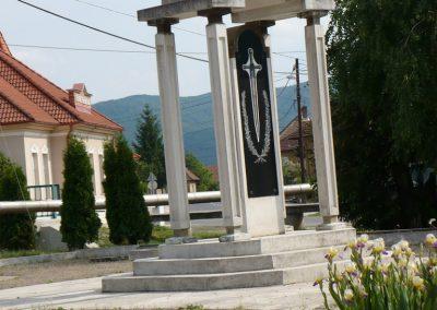 Bódvaszilas világháborús emlékmű 2009.05.11.küldő-Gombóc Arthur (6)