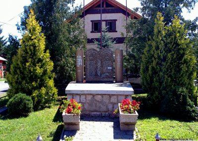 Bódvavendégi világháborús emlékmű 2011.08.11. küldő-Pataki Tamás