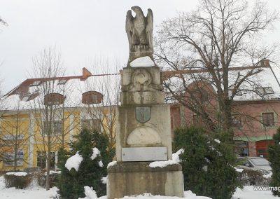 Bóly világháborús emlékmű - télen 2012.02.18. küldő-Balogh Csaba