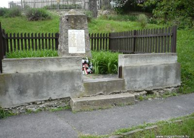 Bózsva világháborús emlékmű 2010.05.08. küldő-Sümec (3)