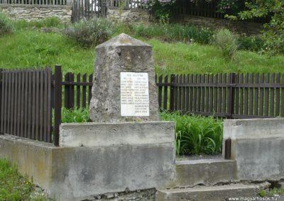 Bózsva világháborús emlékmű 2010.05.08. küldő-Sümec