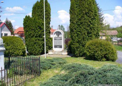 Böde világháborús emlékmű 2008.05.25.küldő-HunMi