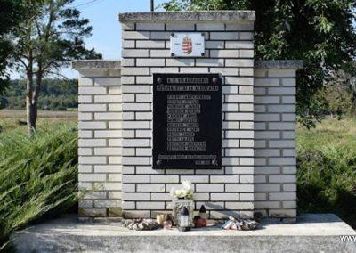 Bögöt II. világháborús emlékmű 2016.09.30. küldő-Méri (1)