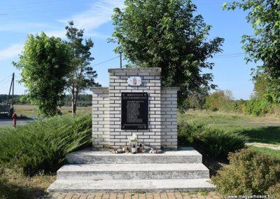 Bögöt II. világháborús emlékmű 2016.09.30. küldő-Méri