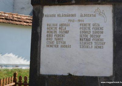 Bögöz világháborús emlékmű 2008.08.13. küldő-Árpisz (1)
