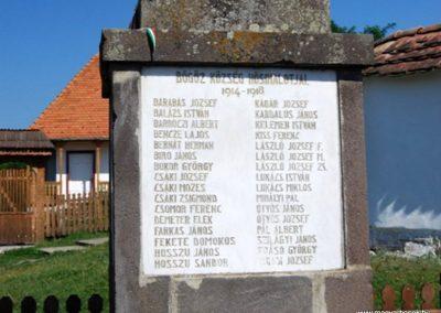 Bögöz világháborús emlékmű 2008.08.13. küldő-Árpisz (2)