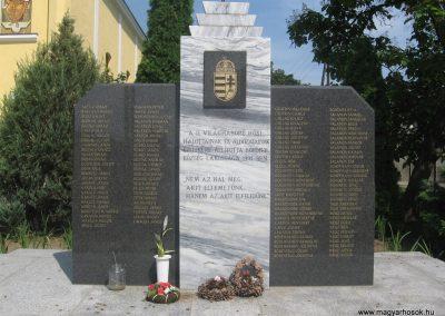 Bököny II.vh emlékmű 2009.07.02.küldő-kalyhas (5)