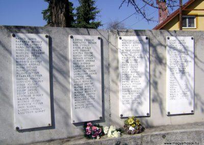 Bölcske II.vh emlékmű 2012.03.25. küldő-baloghzoli (3)