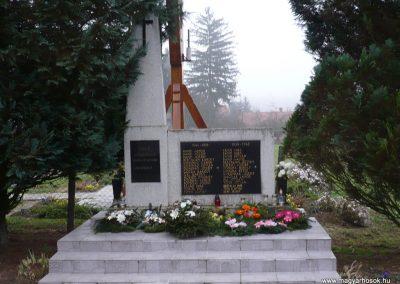 Börzönce világháborús emlékmű 2009.11.21. küldő-Sümec (3)