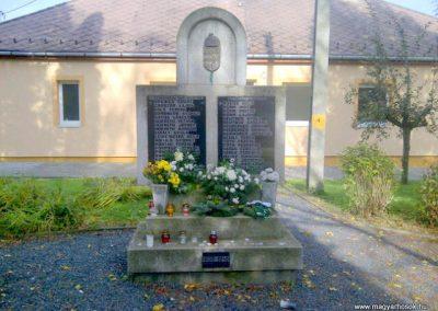 Búcsúszentlászló II. világháborús emlékmű 2012.11.04. küldő - Gráczki-Kulik Veronika (4)