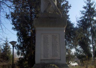 Bük világháborús emlékmű 2009.01.07.küldő-gyurkusz (3)