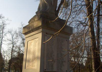 Bük világháborús emlékmű 2009.01.07.küldő-gyurkusz (4)