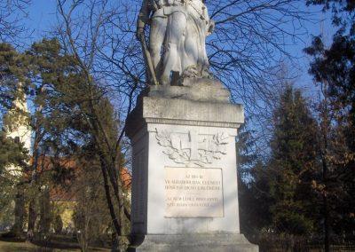 Bük világháborús emlékmű 2009.01.07.küldő-gyurkusz