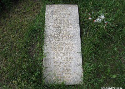Bükkábrány világháborús emlékmű 2007.06.01.küldő-Kályhás (2)