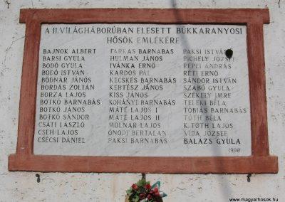 Bükkaranyos világháborús emléktáblák 2007.09.20. küldő-Kályhás (2)