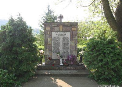 Bükkszék világháborús emlékmű 2009.05.02.küldő-kalyhas (1)