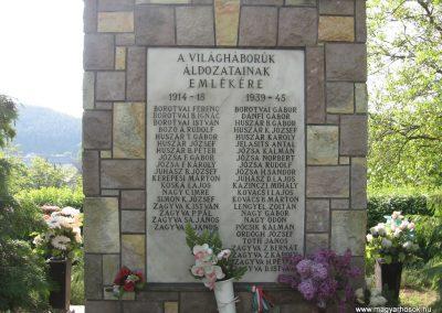 Bükkszék világháborús emlékmű 2009.05.02.küldő-kalyhas (2)