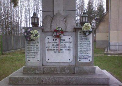 Bükkszenterzsébet világháborús emlékmű 2006.12.04. küldő-kalyhas (1)